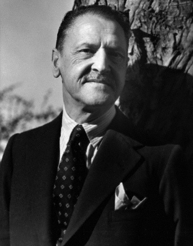 The analysis of the escape by w s maugham essay