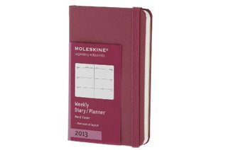 Moleskine 2013 Weekly Planner, Horizontal, 12 Month, Extra Small, Magenta, Hard Cover (2.5 x 4)