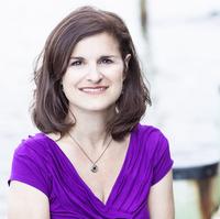 Author Lea Nolan