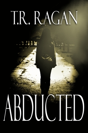 Abducted (Lizzy Gardner #1)