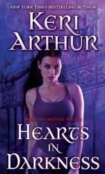Hearts in Darkness (Nikki & Michael, #2)  - Keri Arthur
