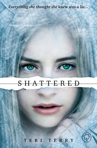 Book review | Shattered by Teri Terry | 5 stars