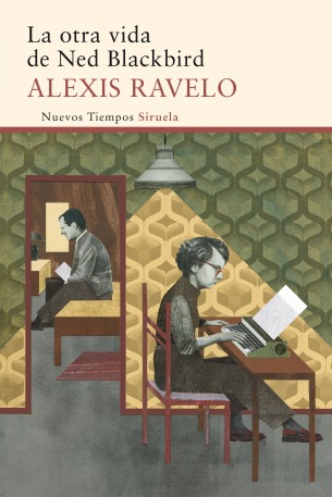 Spanish author Alexis Ravelo