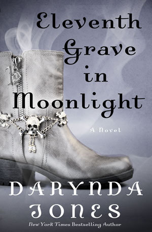 Eleventh Grave in Moonlight (Saga Charley Davidson)