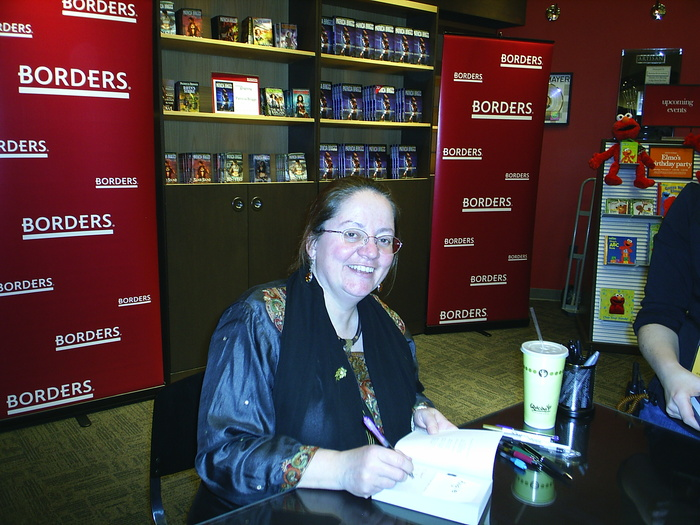 Ms. Briggs was on her <i>Bone Crossed</i> signing tour.  This picture was taken at her stop in Ann Arbor.